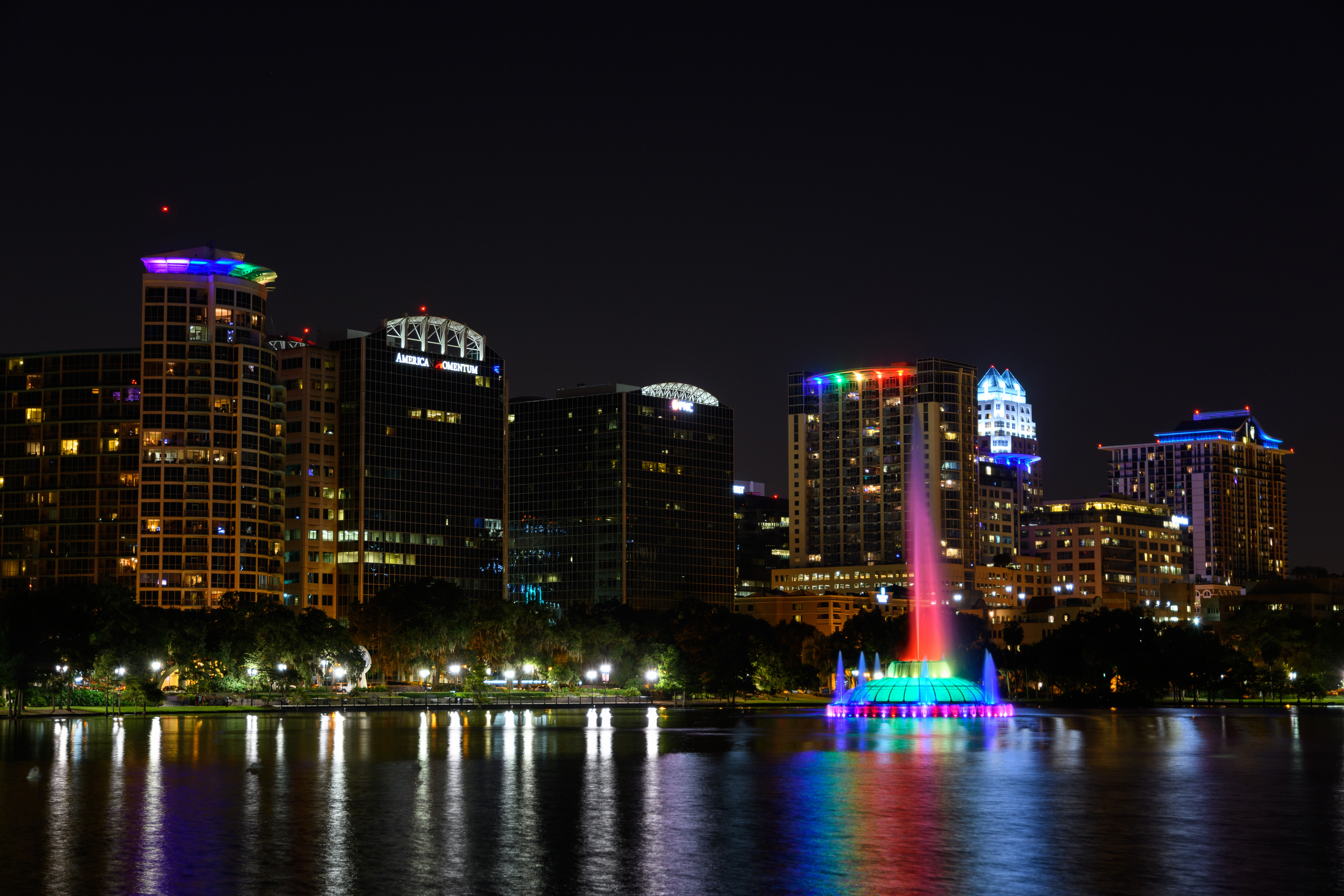 Lake Eola Fountain by Candy Perkinson