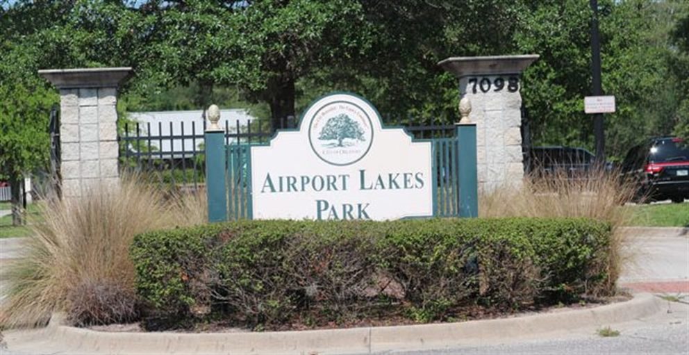 Sign for Airport Lakes Park